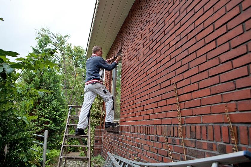 Zelfstandige huisschilders betalen verplicht pensioenpremie. Een deel van hen wil daar vanaf.  (Harry Cock)