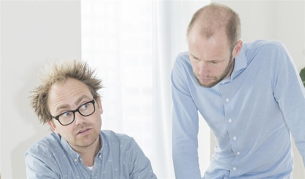 Tijs Stehmann (links) en Lester du Perron leggen medisch nieuws langs de meetlat.