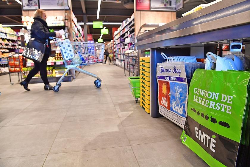 Supermarktketen Emté gaat over in andere handen. Van de 130 filialen gaat twee derde verder onder de vlag van Jumbo, een derde van de winkels wordt Coop.  (anp / Robin Utrecht)