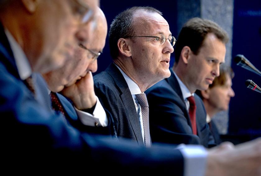 Klaas Knot donderdag bij de presentatie van het jaarverslag van De Nederlandsche Bank.  (anp / Koen van Weel)