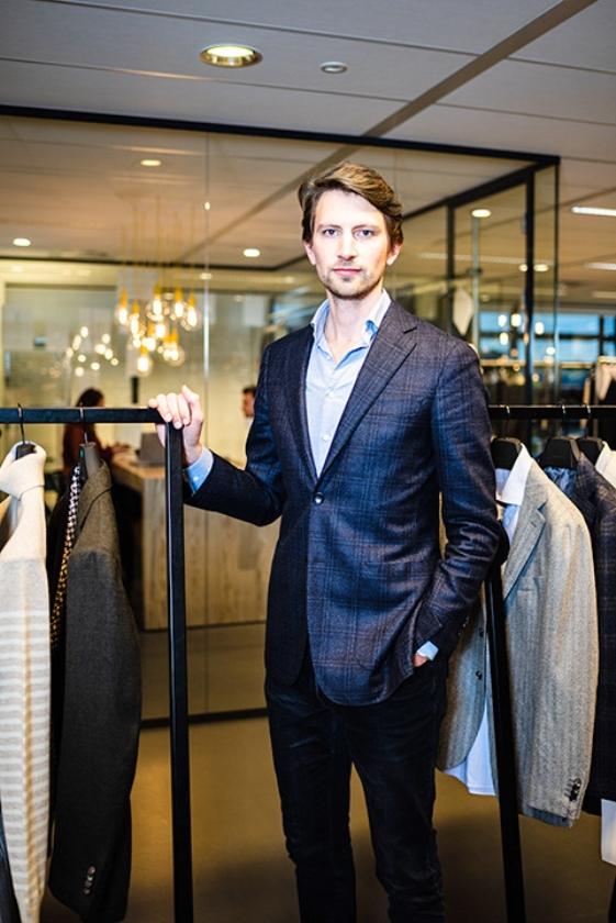 Meindert Engwerda is op zoek naar donaties om zijn ouders te helpen.   (Harry Cock en Katja Poelwijk)