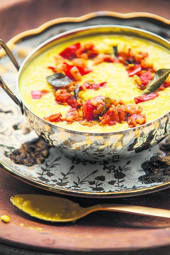 Koken: Dal-curry  (Harold Pereira)