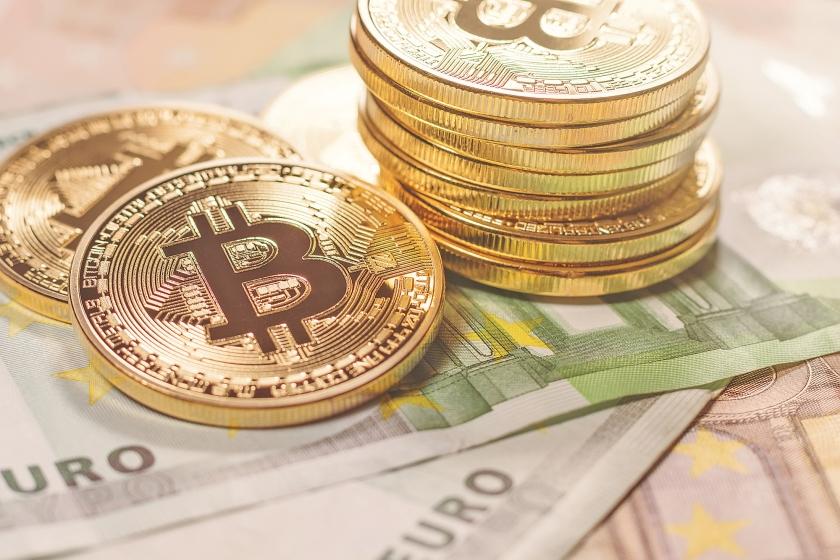 Tot voor kort was er geen serieuze concurrent van het monetaire systeem, totdat de bitcoin werd uitgevonden.  (istock)