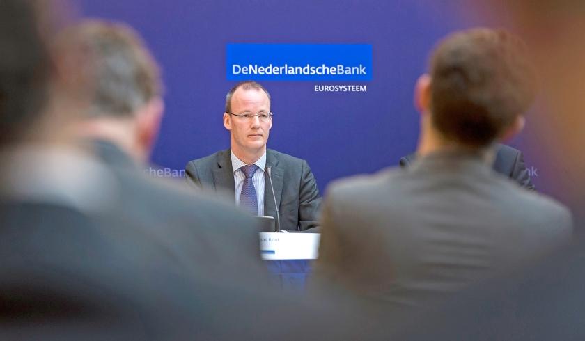 Klaas Knot, voorzitter van De Nederlandsche Bank, voert al jaren een pleidooi voor het stoppen met loonmatiging.  (anp / Remko de Waal)