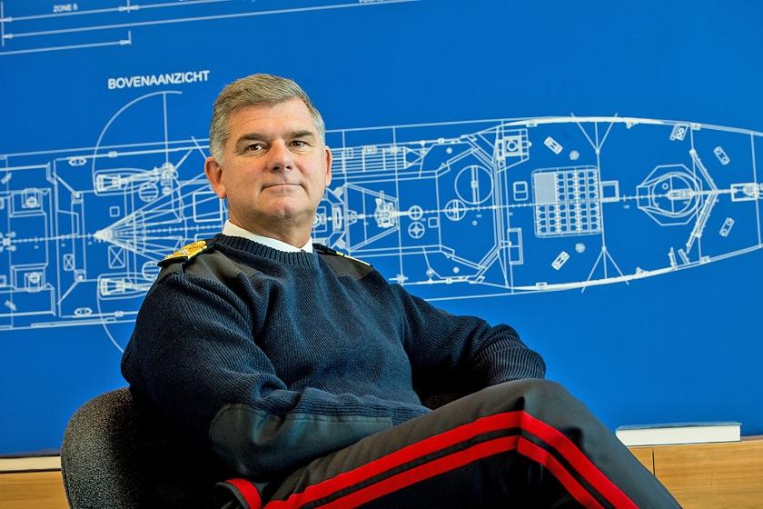 Commandant Zeestrijdkrachten luitenant-generaal der mariniers Rob Verkerk hekelt het talmen rond investeringen. 'We blijven zaken uitstellen, ondanks alles wat er om ons heen gebeurt.'  (defensie)