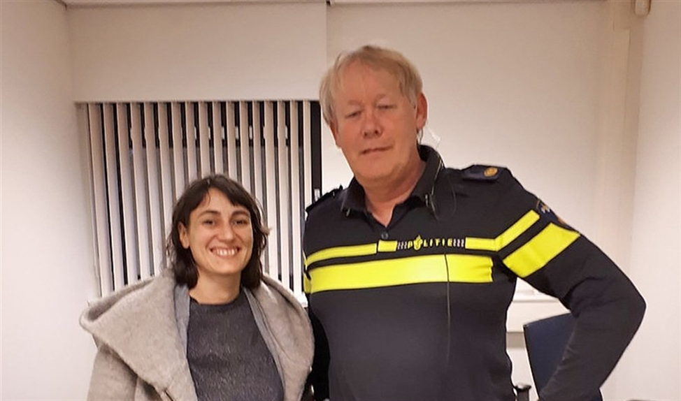 Esther Rodriguez-Barbero was vorige week in Nederland om via wijkagent Henk Wiegman haar redder op te sporen.