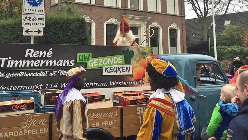 Sinterklaas moest tijdens zijn intocht in Tilburg overstappen van zijn schimmel naar een open wagen.  (Omroep Brabant)