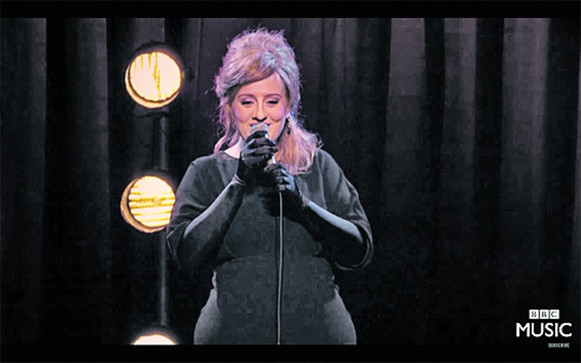 Viral: Adele stunt door zichzelf te zijn op Adele-auditie  (Youtube)