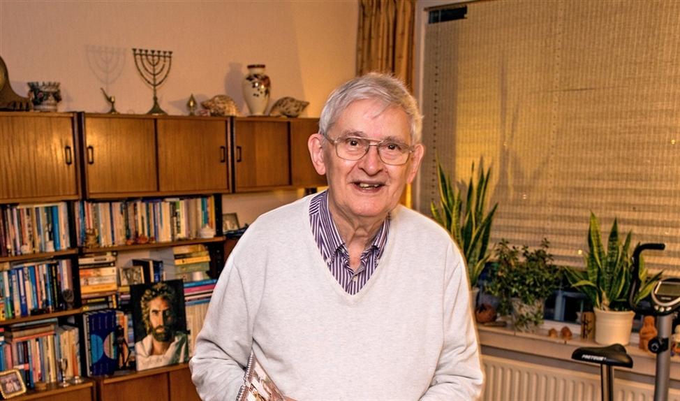 Ouderenportret: 'Zendeling zijn is heel eenvoudig. Vriendelijk zijn, daar begint het mee'   (Dirk Hol)