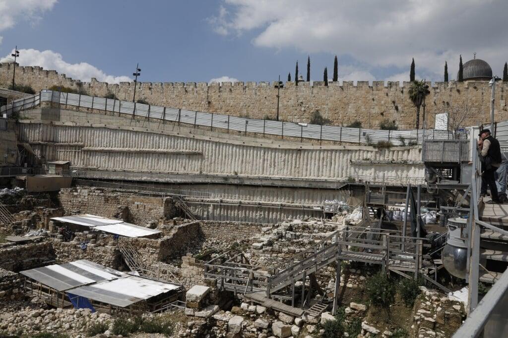 Overzicht van opgravingen onder de muren van de Oude Stad in Jeruzalem.  (beeld afp / Gali Tibbon)