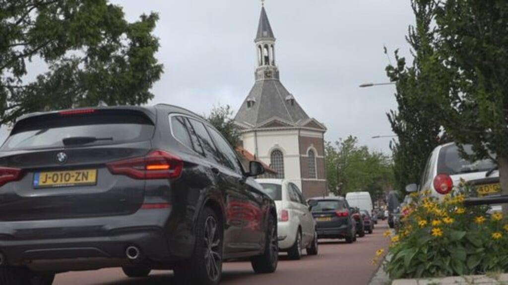 In de straten van Leidschendam is het flink drukker geworden, onder meer door de komst van nieuwe woonwijken en winkels.  (beeld omroep west)