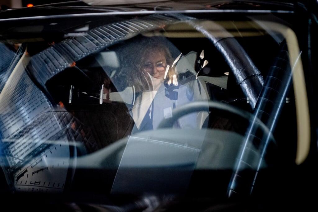 2021-09-16 20:01:09 DEN HAAG - Sigrid Kaag treedt terug als demissionair minister van Buitenlandse Zaken. Ze deed dat nadat de Tweede Kamer een motie van afkeuring had ingediend vanwege de chaotisch verlopen evacuatie uit Afghanistan. ANP BART MAAT  (beeld anp / Bart Maat)