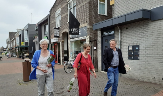 <p>Er gaven slechts drie inwoners gehoor aan de oproep voor een stille tocht voor de vermoorde misdaadverslaggever Peter R. de Vries.&nbsp;</p>