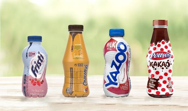 <p>PET-flessen van FrieslandCampina. Dankzij een speciale &#39;ritssluiting&#39; zijn de etiketten eenvoudig te verwijderen.&nbsp;</p>
