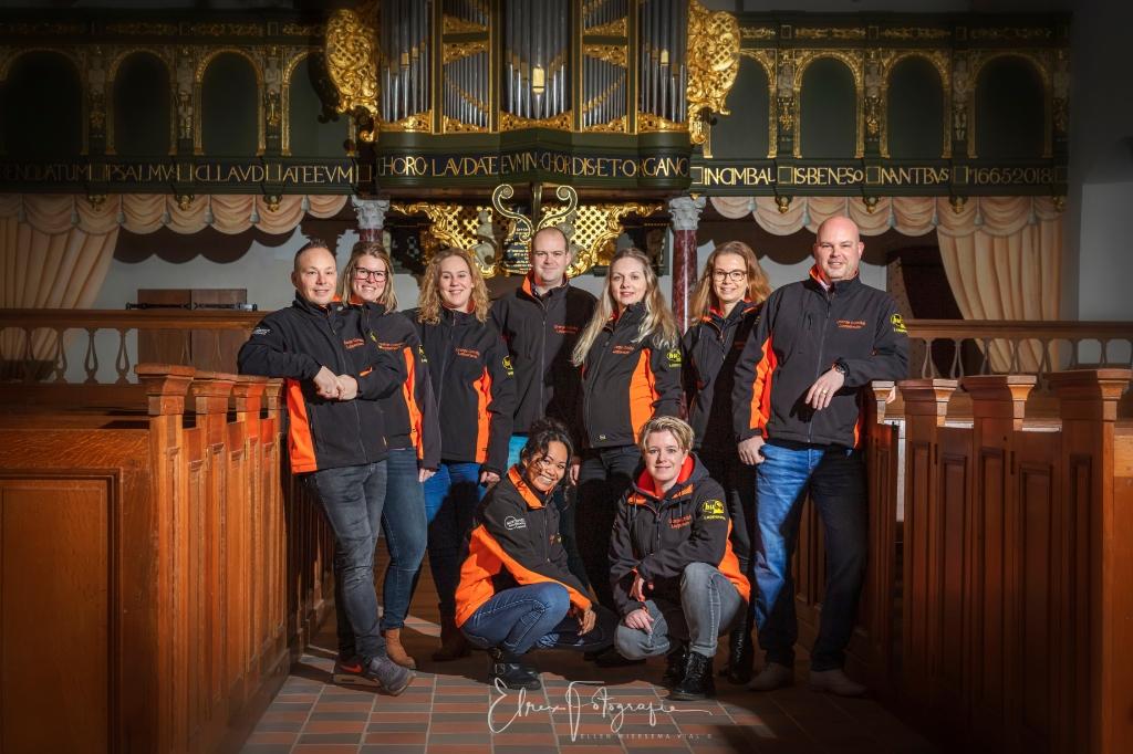 <p>Het bestuur van het Oranjecomit&eacute; Loppersum wacht al twee jaar op viering van het 60-jarig jubileum.</p> <p>Ellen Wiersema</p> © De Ommmelander