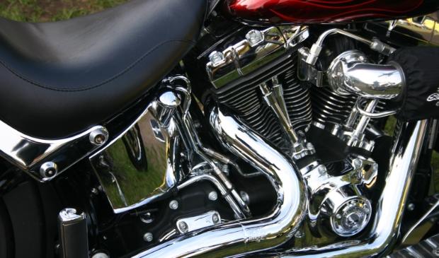 <p>Stichting Harleydag Annen trakteert 65-plussers op een paastraktatie. (Foto: Henry Koops)</p>