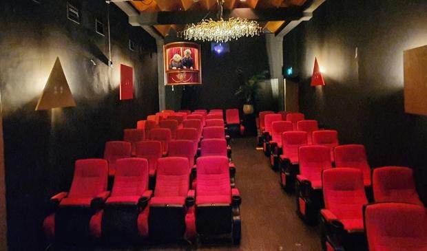 <p>Het theatertje biedt plaats aan iets meer dan veertig personen (eigen foto).</p>