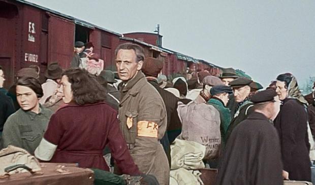 <p>Een ingekleurd fragment uit de Westerbork-film uit 1944.</p>