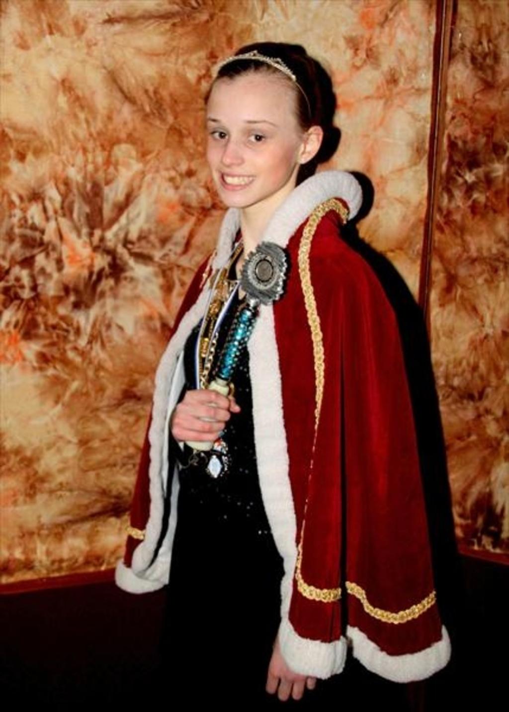 C.V. De Hossende Wevers onthult hun nieuwe Jeugdprinses 2013 Foto:  © mooibernheze