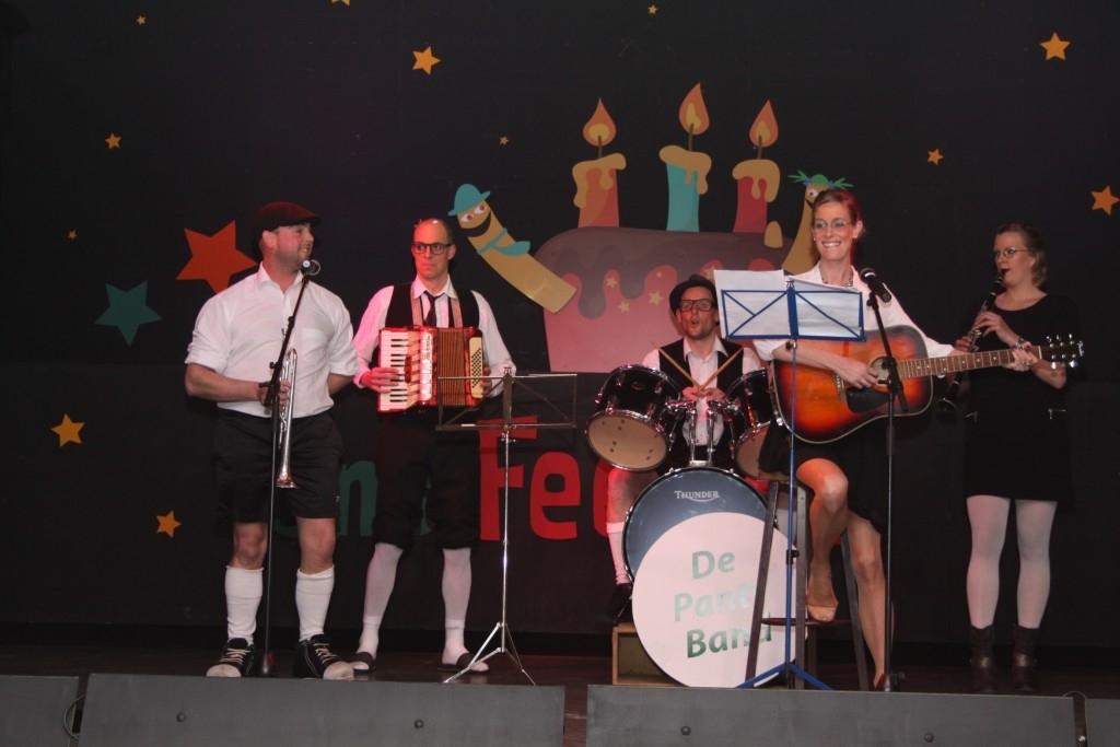 De jaarlijkse pronkzitting van de Piereslikkers is een waar feestje geworden! Foto:  © mooibernheze