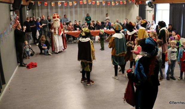 Loosbroek - Sinterklaas en zwarte pieten in CC De Wis