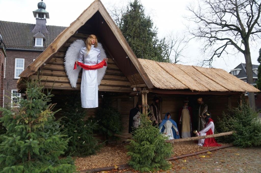 Nistelrode - Opbouw Kerststal door Scouting Foto: Yvonne Rosenhart  © mooibernheze