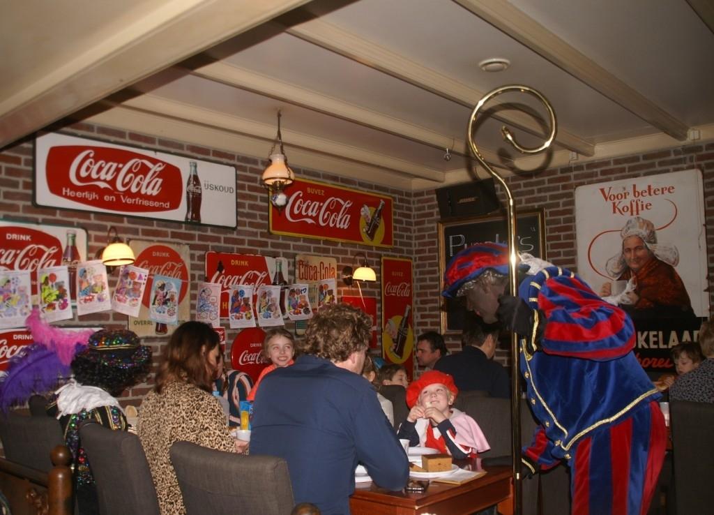 Nistelrode - Sinterklaasintocht & Pietenontbijt Foto: © Stichting Jeugdbelangen  © mooibernheze
