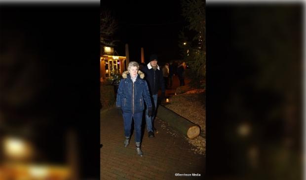 Loosbroek - Opening Wensboom en kerstmarkt