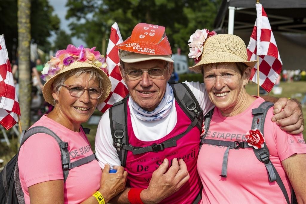 Bernheze -  Nijmeegse Vierdaagse Bernhezenaren Foto: Marcel van der Steen © mooibernheze