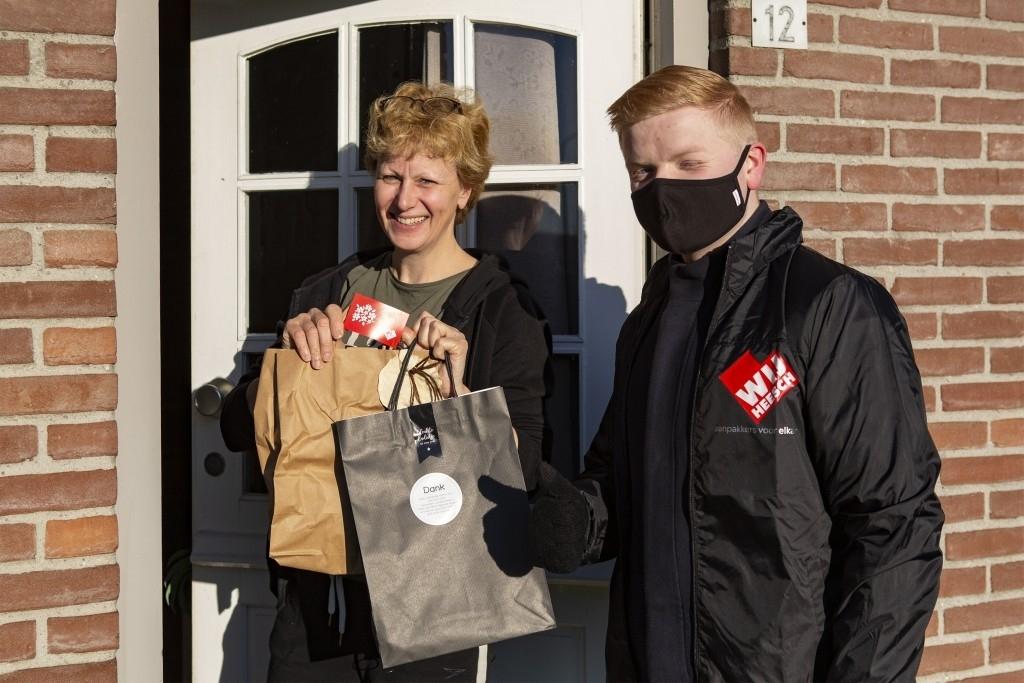 Heesch - Vrijwilligers WIJ Heesch per arrenslee in het zonnetje gezet Foto: Marcel van der Steen  © mooibernheze