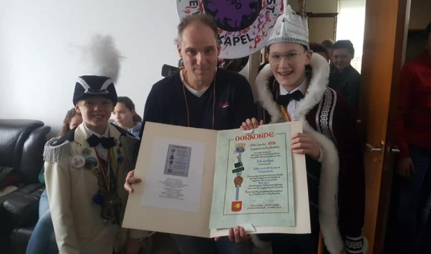 Krullendonkse onderscheiding Rob van Gaal!