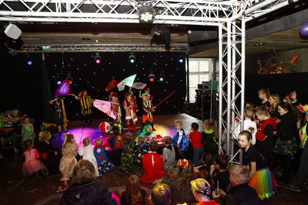 Zandkruiersland - Dinsdag Carnaval Foto: Michel Roefs © mooibernheze
