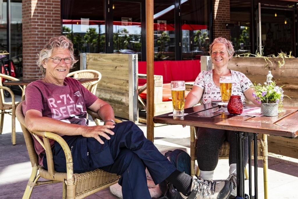 Bernheze - Terrassen weer open Foto: Guus van der Valk. Marcel van der Steen en Michel Roefs © mooibernheze