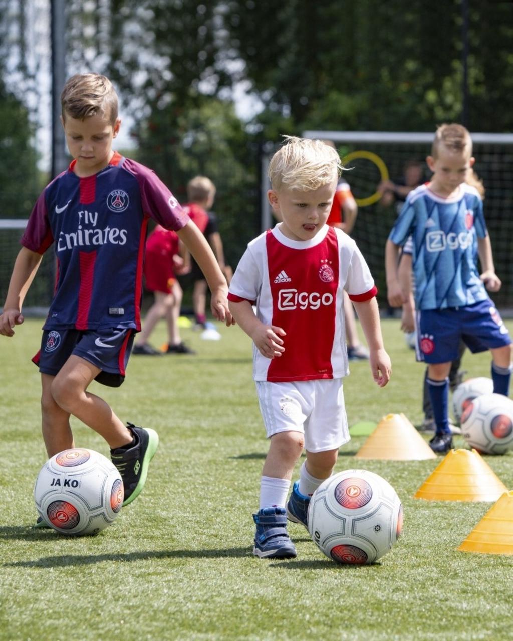 Heesch - Open dag voetbal BSO Foto: Marcel van der Steen  © mooibernheze
