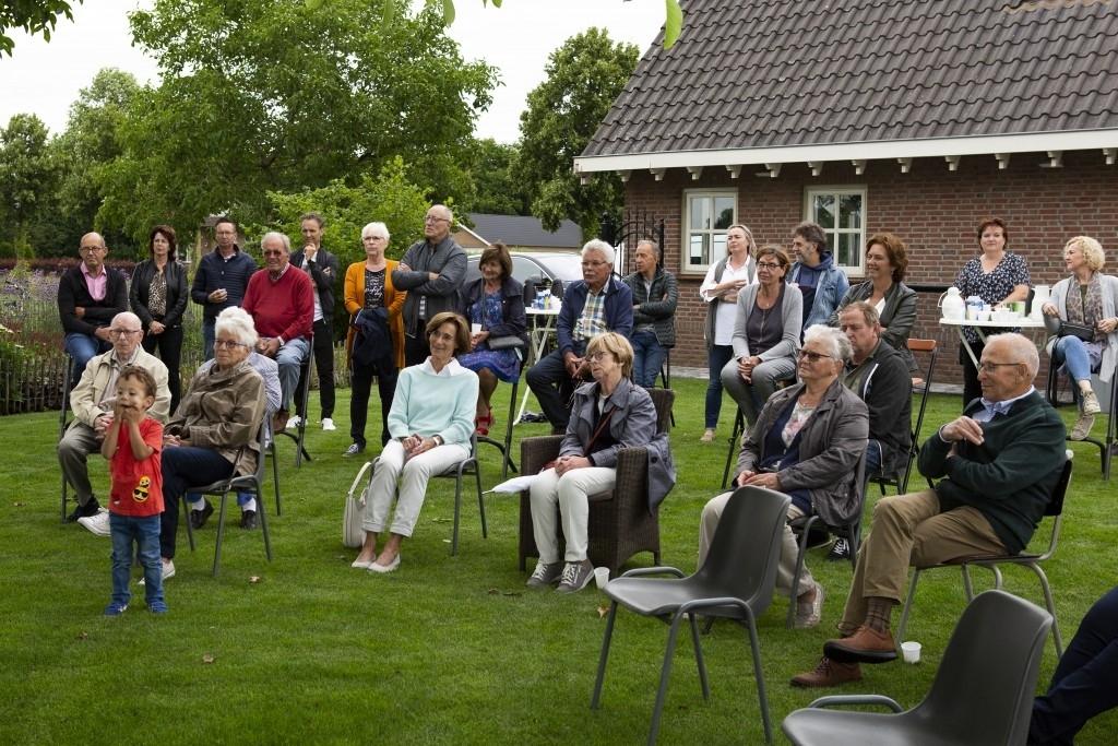 Nistelrode -  BV Achterstraat viert 50-jarig bestaan met historisch boek  Foto: Marcel van der Steen  © mooibernheze