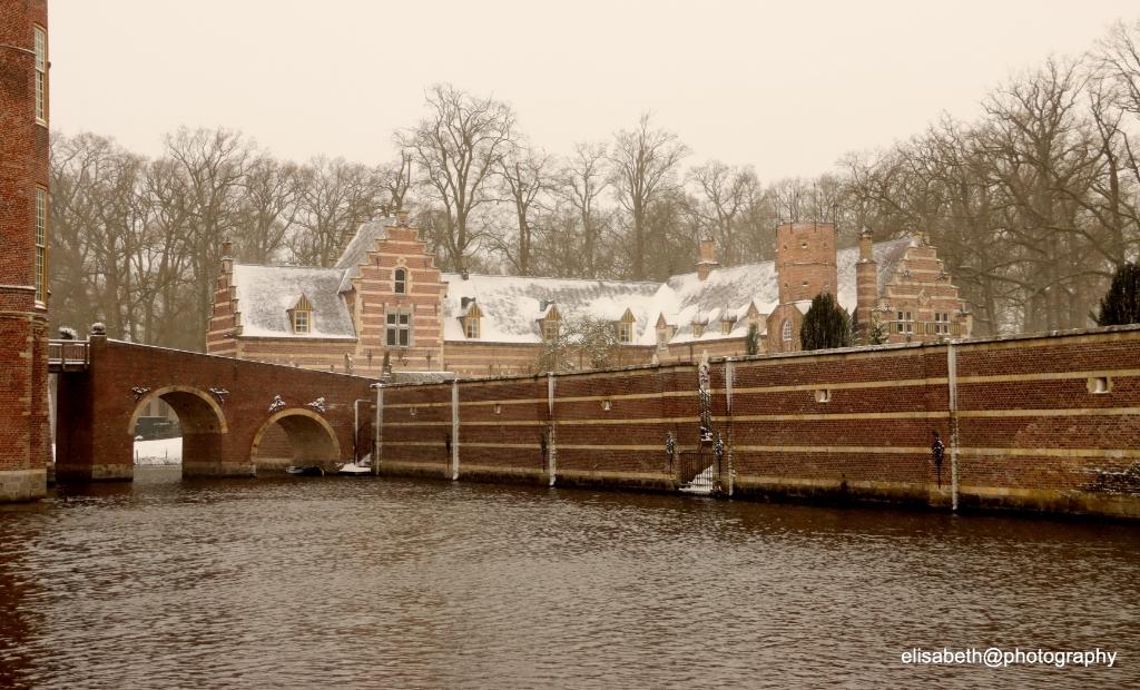 <p>Kasteel Heeswijk</p> <p>Elly Hagens </p> © mooibernheze