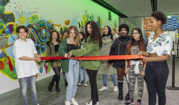 De muurschildering werd vorige week officieel geopend. (Foto: Feenstra Fotografie)