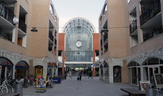 <p>De Zadelmakerstraat in het Centrum. (Foto: Almere Zaken)</p>