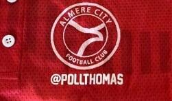 Spelers Almere City FC spelen met instagram-naam op shirt