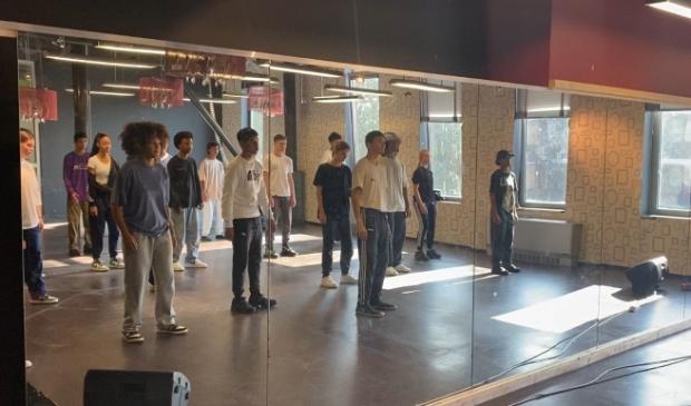 <p>Roch&eacute; Apinsa van dansschool Mind, Body & Soul heeft zijn eerste lessen al gegeven in de Cultuurd&ocirc;me. (Foto: aangeleverd)</p>
