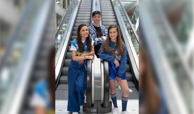 SH!NE met Jade (links), Lyova en Loïs. (Foto: Chantal Antonides)