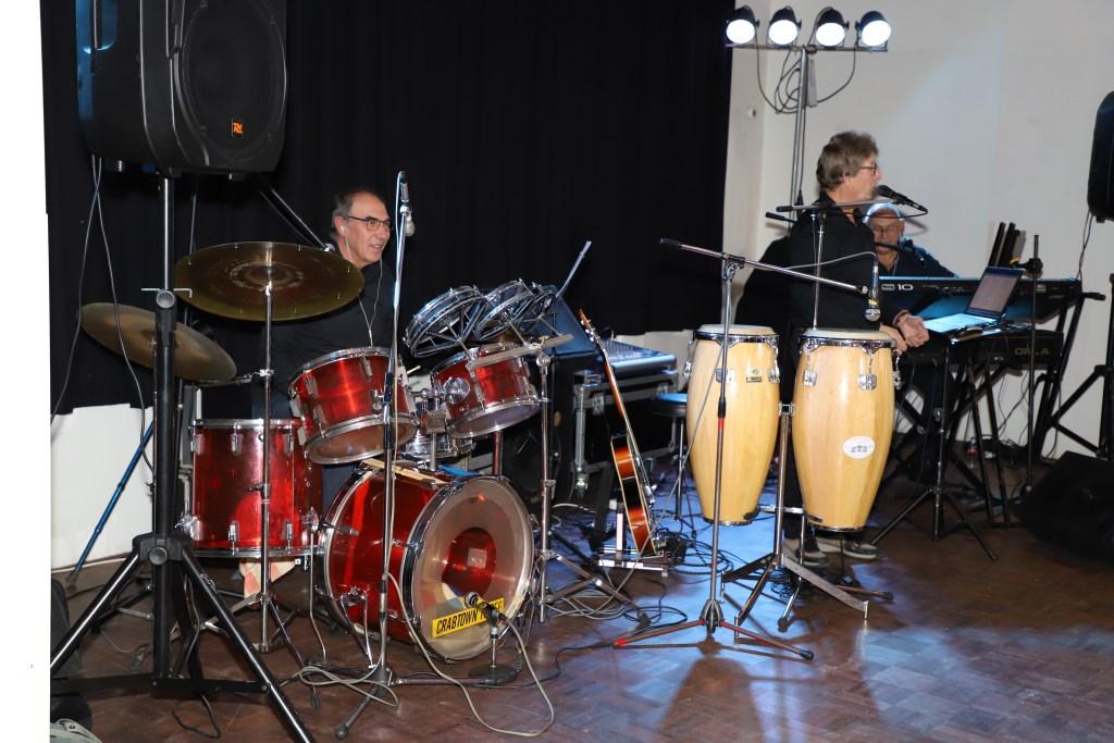The Crab Town Three zorgde voor de muzikale omlijsting.   © Minerve Pers