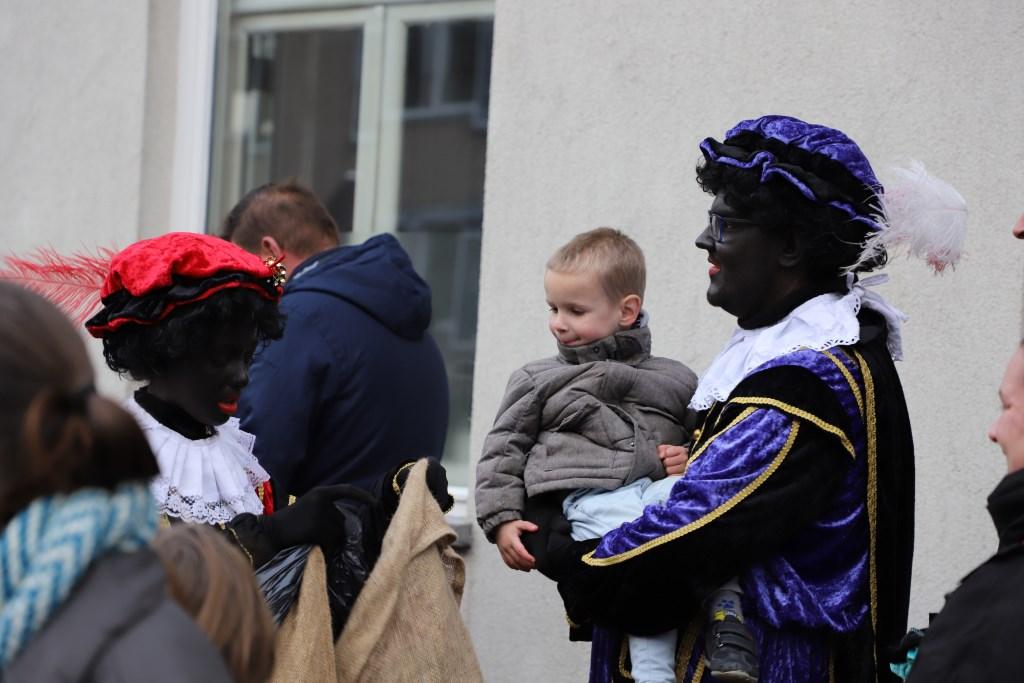 Intocht van Sinterklaas in Halsteren.  © Minerve Pers