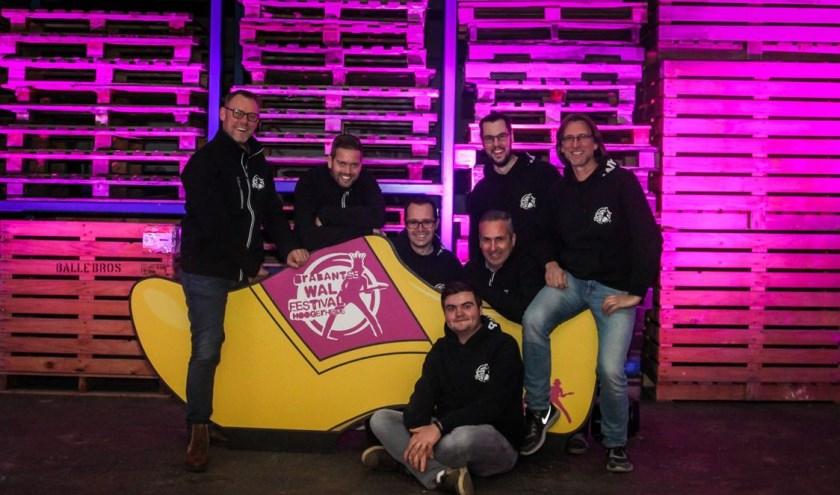 Vlnr: Mark Sebrechts, Ivar Brouwer, Willem de Jong, Mark van Loon, Stefan Konings, Niels van Elzakker en hoffotograaf Patrick van Loon.