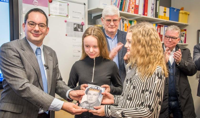 De herdenking begon al in februari, met bezoeken van de werkgroep aan de scholen in de gemeente Woensdrecht.