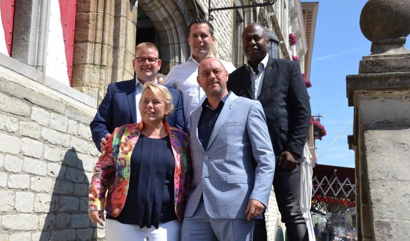 Arjan van der Weegen samen met collega wethouders in betere tijden.