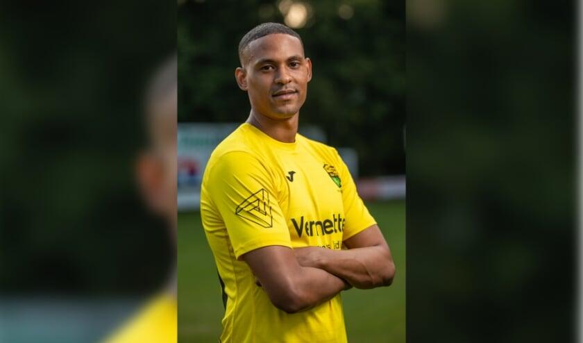 Fouad Idabdelhay van Halsteren zondag maakte bij EHC de gelijkmaker maar de club uit Hoensbroek ging er toch met de volle winst vandoor: 2-1.