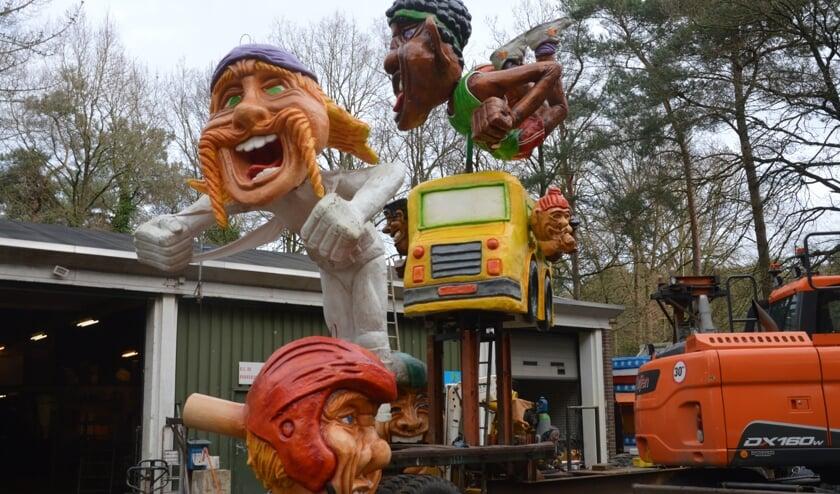 Carnavalswagen in opbouw