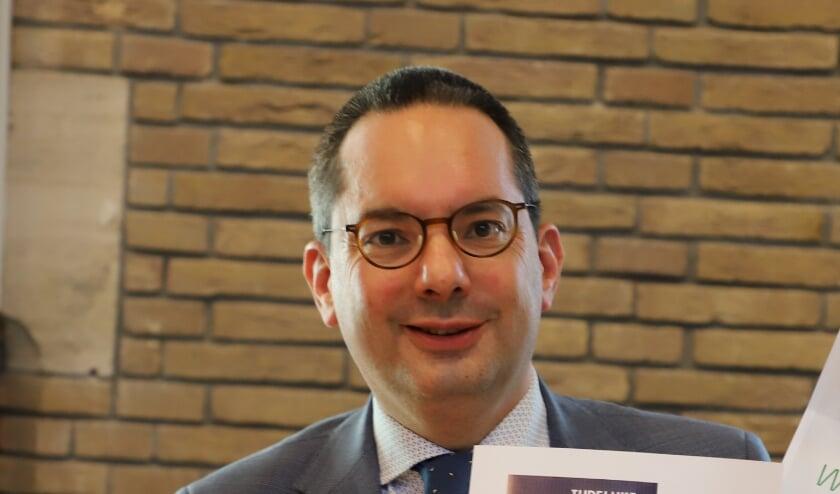 <p>Burgemeester Adriaansen</p>