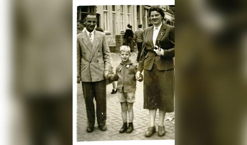 Oude foto met Halsters gezinnetje